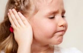 болки в ухото