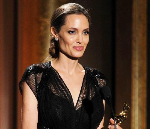 Анджелина Джоли се поддържа здрава и слаба с нова диета