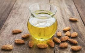 lemon-juice-and-almond-oil