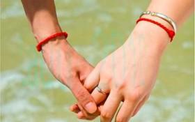 Red-string-bracelet-5