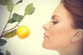 lovely-woman-with-lemon-twig