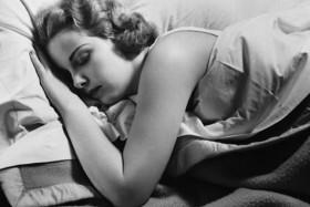 woman-sleeping-at-night