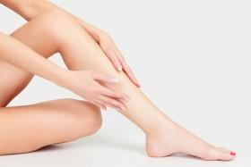 Черни точки на краката след епилация