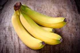 bananas-on-a-wooden-table