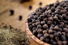 black-pepper-in-bowl-very-sm-shutterstock_29417425