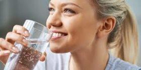 Вода и сода: защо е полезно да се пие тази смес всеки ден?
