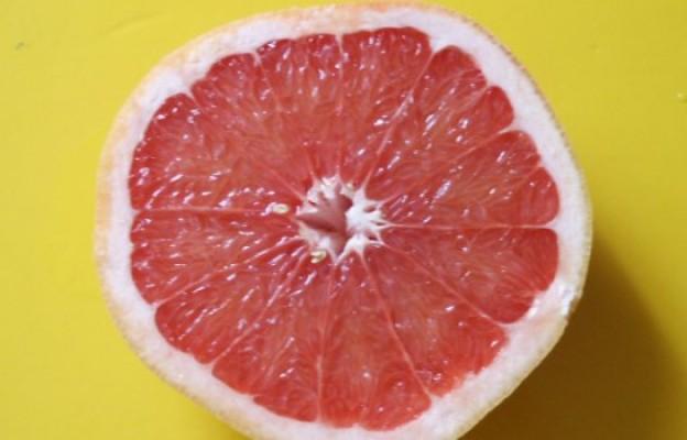 Маска за лице с грейпфрут за кожа гладка и чиста досущ..