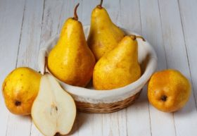 pears-in-basket