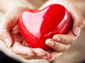 heart-in-hands-000012745581