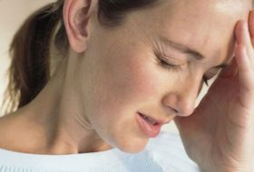 migraine-headaches-s1-woman-with-a-migrane