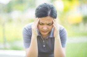 woman-with-headache-web